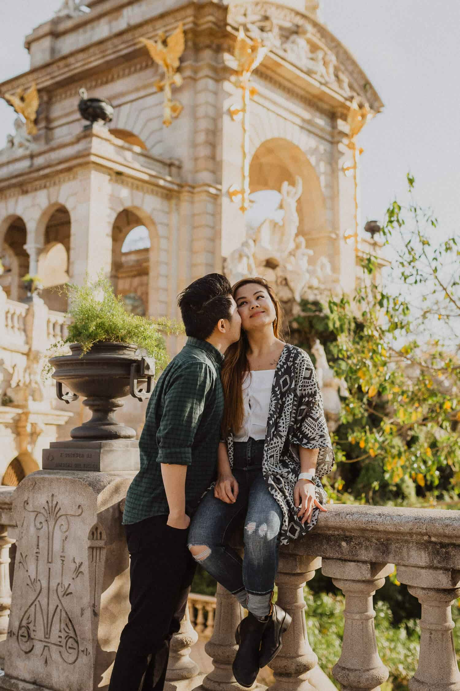 Couples photo session in Ciutadella Park, Barcelona