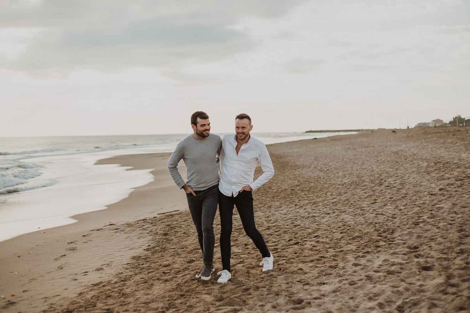 Same sex couple photo session in the beach of Barcelona