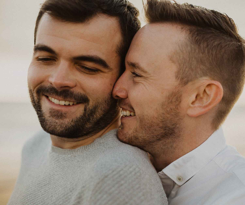 Couples photo shoot in Barcelona beach