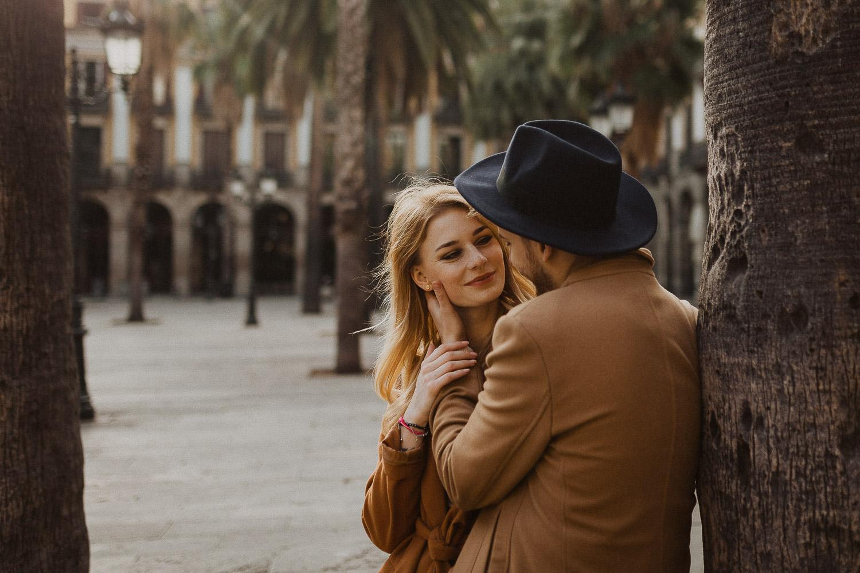 Couple photoshoot in Barcelona city